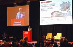 Hội nghị Thượng đỉnh Kinh tế Việt Nam được tổ chức tại Hà Nội ngày 11 tháng 1 năm 2012. AFP photo