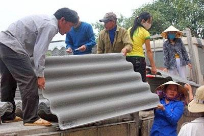 Việt Nam đang sử dụng amiăng chrysotile gọi là amiăng trắng để sản xuất tấm lợp (tamlopvietnam.com)