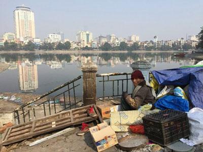 Một người vô gia cư ở Hà Nội chụp hôm 8/2/2016.
