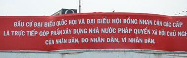 Bảng khẩu hiệu cổ động cho bầu cử Quốc Hội ngày 22 tháng 5 tới. RFA PHOTO.