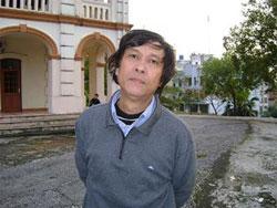 Nhà thơ, nhà báo Nguyễn Việt Chiến. Photo courtesy of Nguyễn Việt Chiến's blog.
