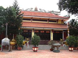 Miếu thờ Hưng Đạo Vương tại Sài Gòn. Photo courtesy of Wikipedia.