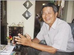 Nhà thơ Hoài Tường Phong - Ảnh Sáu Nghệ. Photo courtesy of vongoctho.vnweblogs.