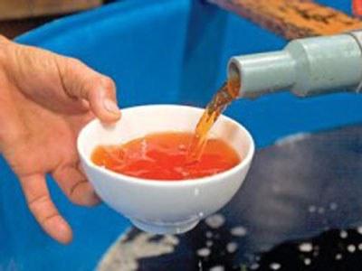 Nước mắm truyền thống, ảnh minh họa. Courtesy vnn.