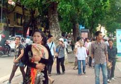 Chị Bùi Thị Minh Hằng trước khi bị công an bắt hôm Chủ nhật, 16/10/2011. Hình do thính giả gửi RFA.