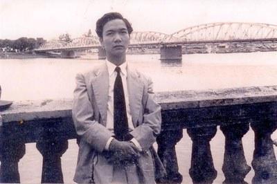 Nhà thơ Quách Thoại tại Huế. File photo.