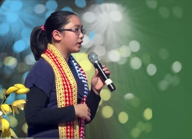 Viviane Huỳnh tại Việt Nam Town - San Jose, California