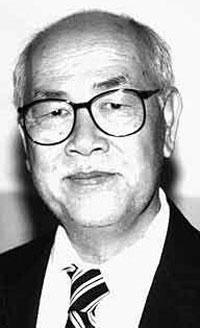 Cố nhạc sĩ Văn Phụng. Photo courtesy of Wikipedia.