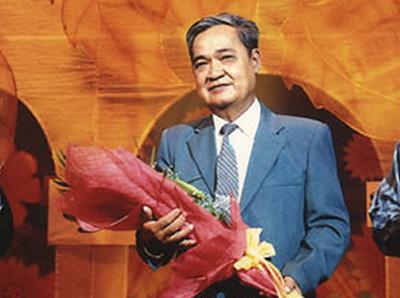 Cố nhạc sĩ Thanh Sơn trong đêm nhạc của ông vào ngày 15 tháng 6 năm 2007.