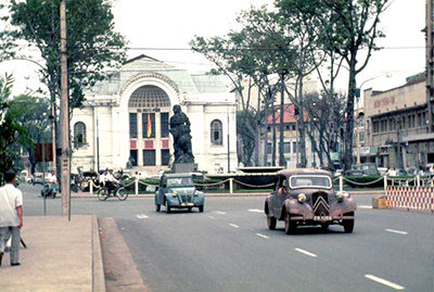 Đường phố Sài Gòn trước năm 1975.
