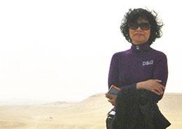 Nhạc sĩ Quỳnh Hợp, trong một chuyến đi thăm biển đảo VN.