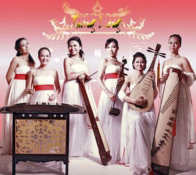 Ban Thăng Long với các nhạc cụ dân tộc truyền thống Việt Nam