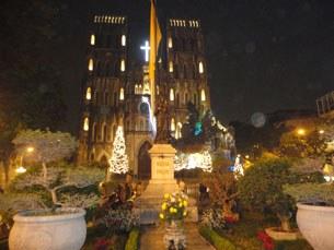 Nhà thờ lớn Hà Nội vào đêm giáng sinh
