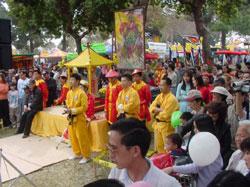 Hội chợ Tết tại Cali. Photo courtesy nuocviet.info