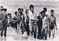 Người vượt biển đổ bộ lên đất liền trong nhiều hoàn cảnh khó khăn , thường không còn được chính quyền các nước vùng Biển Đông tiếp nhận từ giữa thập niên 1980. Hình của UNHCR
