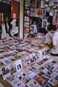 Một tiệm bán sách tại Sài Gòn. Photononstop