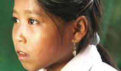 Một bé gái ở huyện Điên Biên Đông, tỉnh Điện Biên, ảnh chụp trước đây. Photo courtesy of pnol.