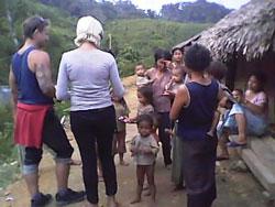 Khách du lịch được đến thăm những bản làng của người dân tộc. Photo courtesy of dalateasyrider.com