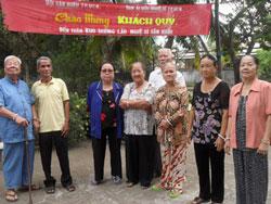 Các nghệ sĩ ở viện dưỡng lão duy nhất dành cho nghệ sĩ. Photo courtesy of nguoiduatin.vn