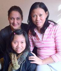 Bà Sarah Jowitt  và hai mẹ con, Khánh Ngân
