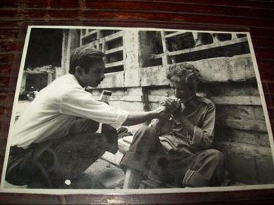 Nghệ sĩ Lộc Vàng và người bạn cùng hát nhạc vàng Phan Thắng Toán ( đã chết).