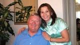 Ông Steven Noe và cô con gái Linda Noe gặp nhau sau hơn 30 năm