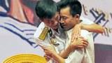 Anh hùng Nguyễn Văn Lanh bất ngờ được gặp lại cựu binh Lê Hữu Thảo, người đã cùng anh Lanh và những đồng đội khác đấu tranh bảo vệ đảo Gạc Ma hôm 14 tháng 3, 1988