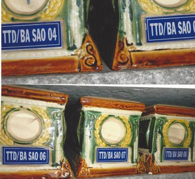 Những bình tro cốt của 14 tù cải tạo mang từ Ba Sao về một nhà thờ ở Sài Gòn. Hình do VAF cung cấp.