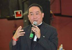 linh mục Martino Nguyễn Bá Thông.