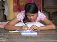 Năm 2006, ADAPT đã phát 470 học bổng. Photo courtesy of adaptvietnam.org.