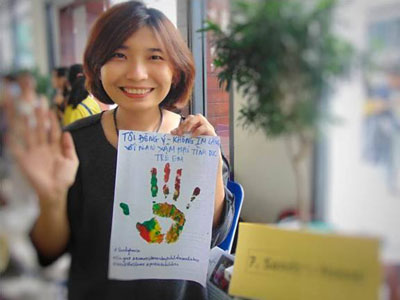 Cô Sandy Ngọc Nguyễn, người phát động chiến dịch Đừng Nói Không Với Nạn Xâm Hại Tình Dục Trẻ Em.