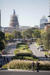 Khuôn viên Đại học Texas. Wikipedia