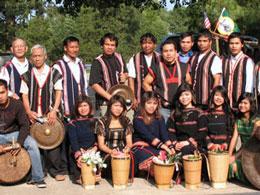 Một số bạn trẻ người dân tộc Thượng đã chọn Hoa Kỳ là nước thứ 3 đang sinh hoạt tại North Carolina. (2010)RFA file