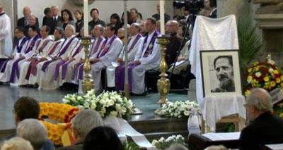 Các linh mục người Việt ở Đức chuẩn bị lễ đồng tế. Hình do ông Nguyễn Hữu Huấn cung cấp RFA.