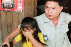 vienamese-girl-in-cambodia-250.jpg