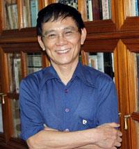 Giáo sư Nguyễn Huệ Chi. Photo courtesy nguyenxuandienblog.