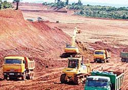 Công trường khai thác bauxite ở Tây Nguyên. Photo courtesy of chinhphu.vn