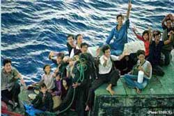 Thuyền nhân Việt Nam vượt biển để ra nước ngoài. Photo courtesy UNHCR.