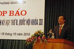 Chủ nhiệm Văn phòng Quốc hội Trần Đình Đàn phát biểu tại cuộc họp báo trước Kỳ họp thứ 8, Quốc hội khóa XII. Photo courtesy of info.vn