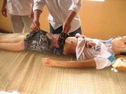 Cháu bé Lê Xuân Dũng, 12 tuổi, chết ngay tại chỗ vì bị công an bắn trong vụ xô xát giữa công an và người dân ở ở khu vực Nghi Sơn hôm 25/5/2010. Photo courtesy of vnmedia.
