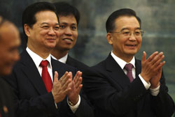 Thủ tướng Việt Nam Nguyễn Tấn Dũng và Chủ Tịch Trung Quốc Hồ Cẩm Đào. AFP photo