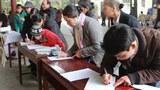 Giáo dân giáo xứ Ngọc Long, giáo phận Vinh, ký kiến nghị đòi hủy điều 4 hiến pháp 1992.