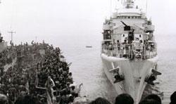 Quân đội Việt Nam Cộng Hòa và dân chúng rút khỏi Huế và Đà Nẵng hồi cuối tháng 3 năm 1975. Photo by Trần Khiêm.
