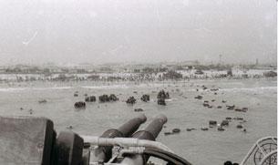 Quân Đoàn 1 của quân đội Việt Nam Cộng Hòa rút khỏi Huế và Đà Nẵng hồi cuối tháng 3 năm 1975. Photo by Trần Khiêm.