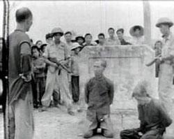 Một phiên xử trong thời cải cách ruộng đất. File photo.