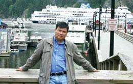 """Blogger Trương Duy Nhất bị bắt vì có """"hành vi lợi dụng các quyền tự do dân chủ xâm phạm lợi ích của Nhà nước, quyền, lợi ích hợp pháp của tổ chức, công dân theo điều 258, Bộ luật Hình sự."""".Files photos"""
