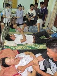 Những nạn nhân của công an tại giáo xứ Mỹ Yên. Photo courtesy of giaophanvinh