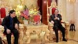 Người ta chỉ cần nhìn vào sự giàu có, xa hoa và phung phí vô độ của giới lãnh đạo Việt Nam. Chỉ cần nhìn. Không cần phải lý luận gì cả (Giáo sư Nguyễn Hưng Quốc )
