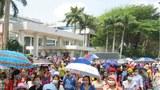 Hàng nghìn công nhân Công ty Pouyen Việt Nam (TP HCM) đã xuống đường tuần hành phản đối quy định bảo hiểm mới trong 5 ngày qua. 31/3/2015