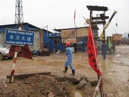 Hải Phòng: Đường Đông Phương ở Nhà máy nhiệt điện Hải Phòng. Ở công trình này, tên các con đường nội bộ đều do nhà thầu Trung Quốc đặt - Ảnh: C.V.K.